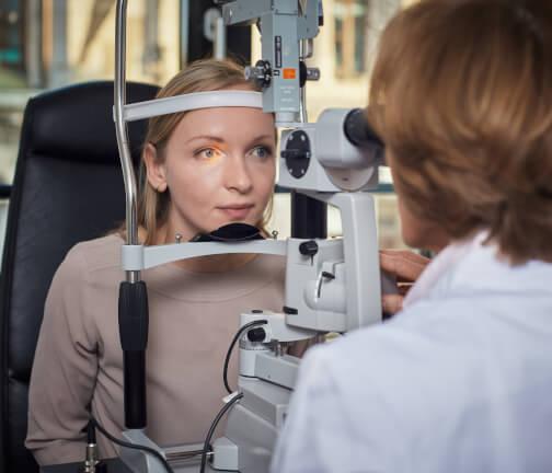 Kontrolluntersuchung beim Augenarzt